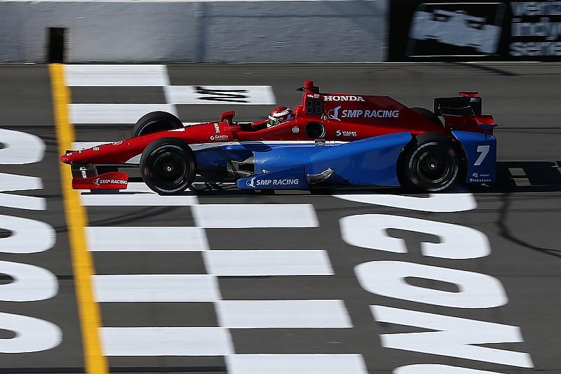 Гонку IndyCar на треку Поконо перенесено через дощ