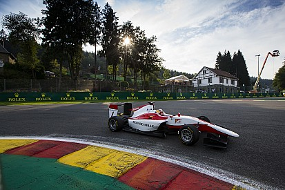 Leclerc fulmine a Spa, conquista la pole per Gara 1