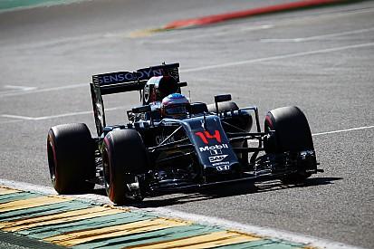 """Alonso: """"He tenido que apagar el motor"""""""