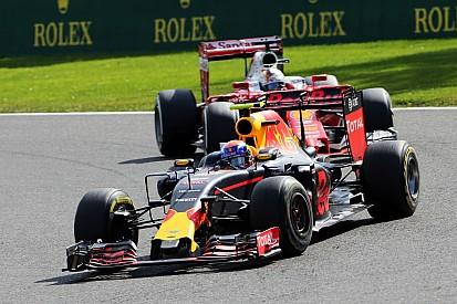 "Verstappen - ""Les pilotes Ferrari m'ont tassé"""
