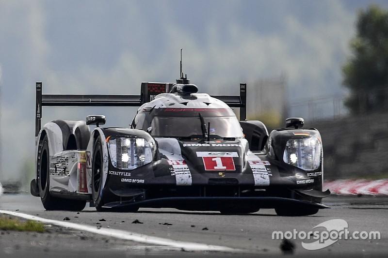 L'équipe Porsche se prépare à une course des extrêmes à Mexico