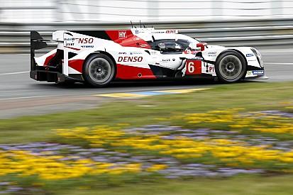 Pertarungan Toyota vs. Porsche semakin memanas, Corvette kecelakaan dan keluar
