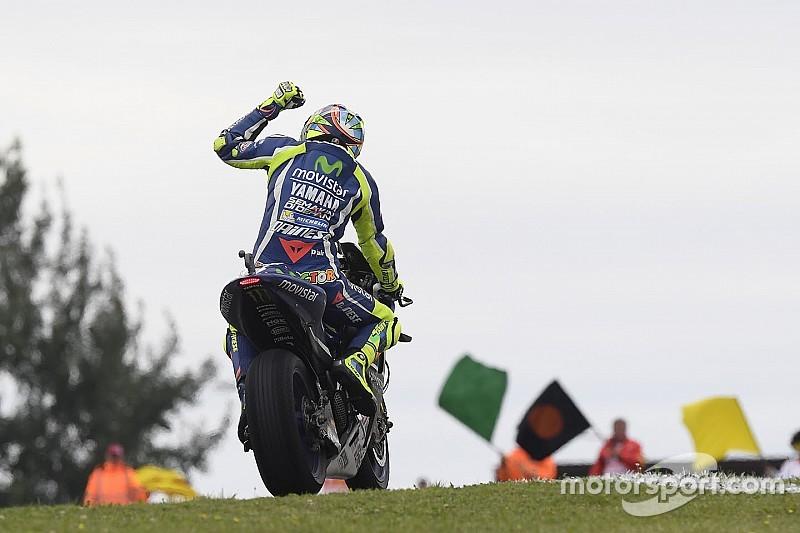 Vencedor em 2015, Rossi chega à Inglaterra com novidades