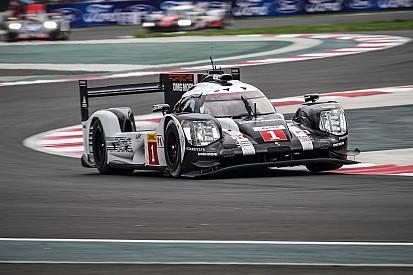 Webber tiene en claro que deben ayudar a sus compañeros en Porsche