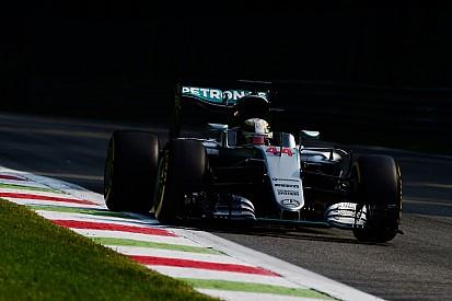 Hamilton leidt de dans na eerste dag in Monza, Verstappen vijfde