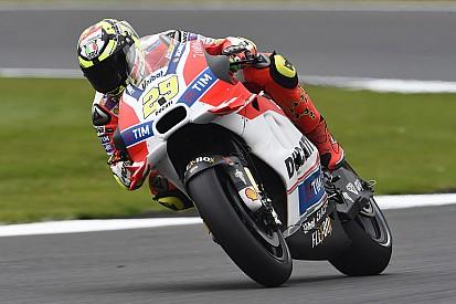 Silverstone, Libere 2: Iannone batte Vinales e porta in vetta Ducati