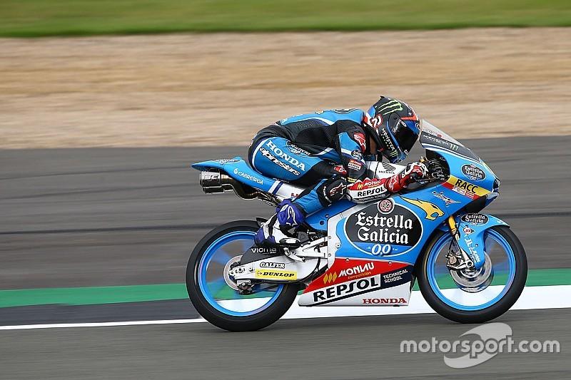 Navarro dendert door in derde training op Silverstone