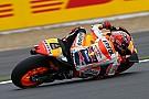 Marquez nipt voor Viñales in derde vrije training Britse GP
