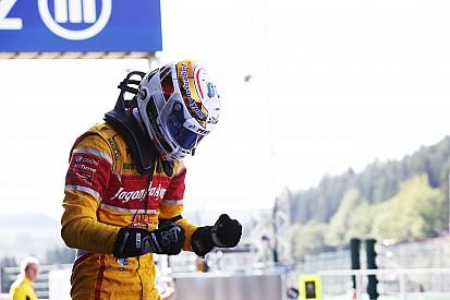 GP2意大利站主赛:安全车搅局,吉奥维纳兹从第21起步夺冠