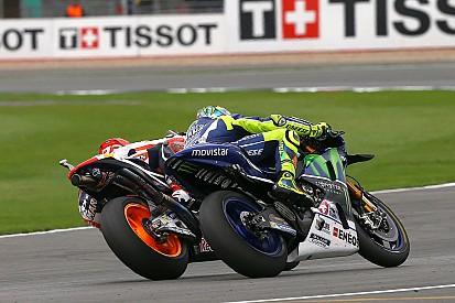 Viñales brilha, Rossi e Márquez duelam: as imagens da MotoGP