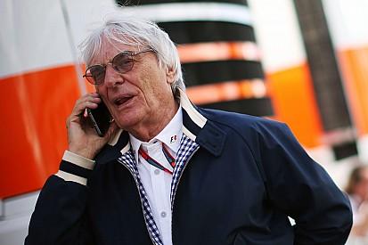 """Ecclestone: """"Vogliono che rimanga in F.1 per tre anni"""""""