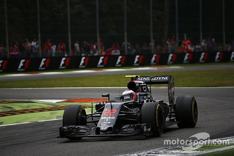 Los planes de futuro distrajeron y arruinaron a Button en Monza
