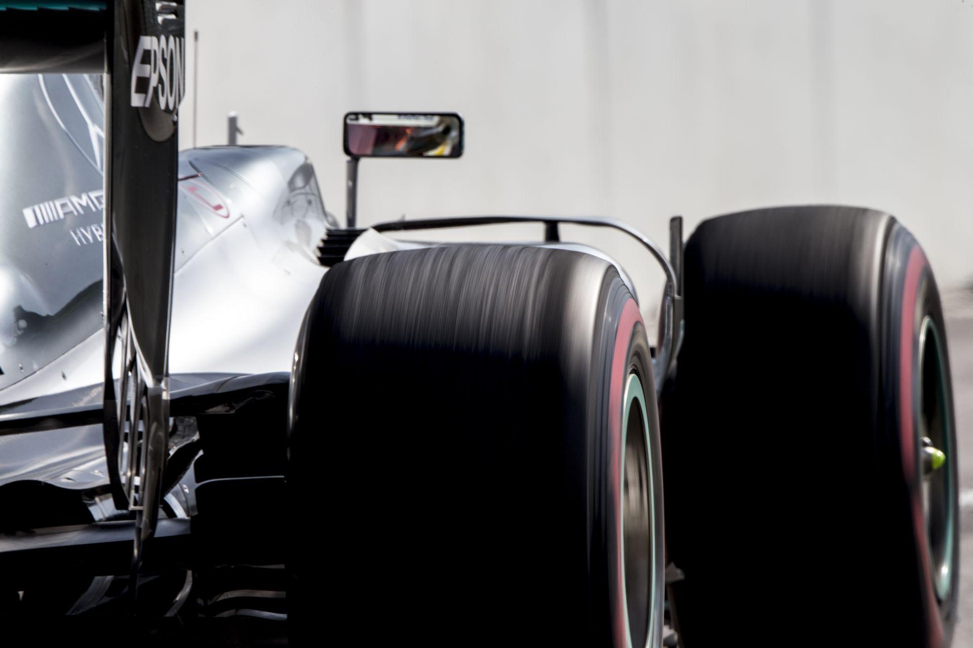Hamilton a 10. helyről rajtol a Orosz Nagydíjon motorhiba miatt!