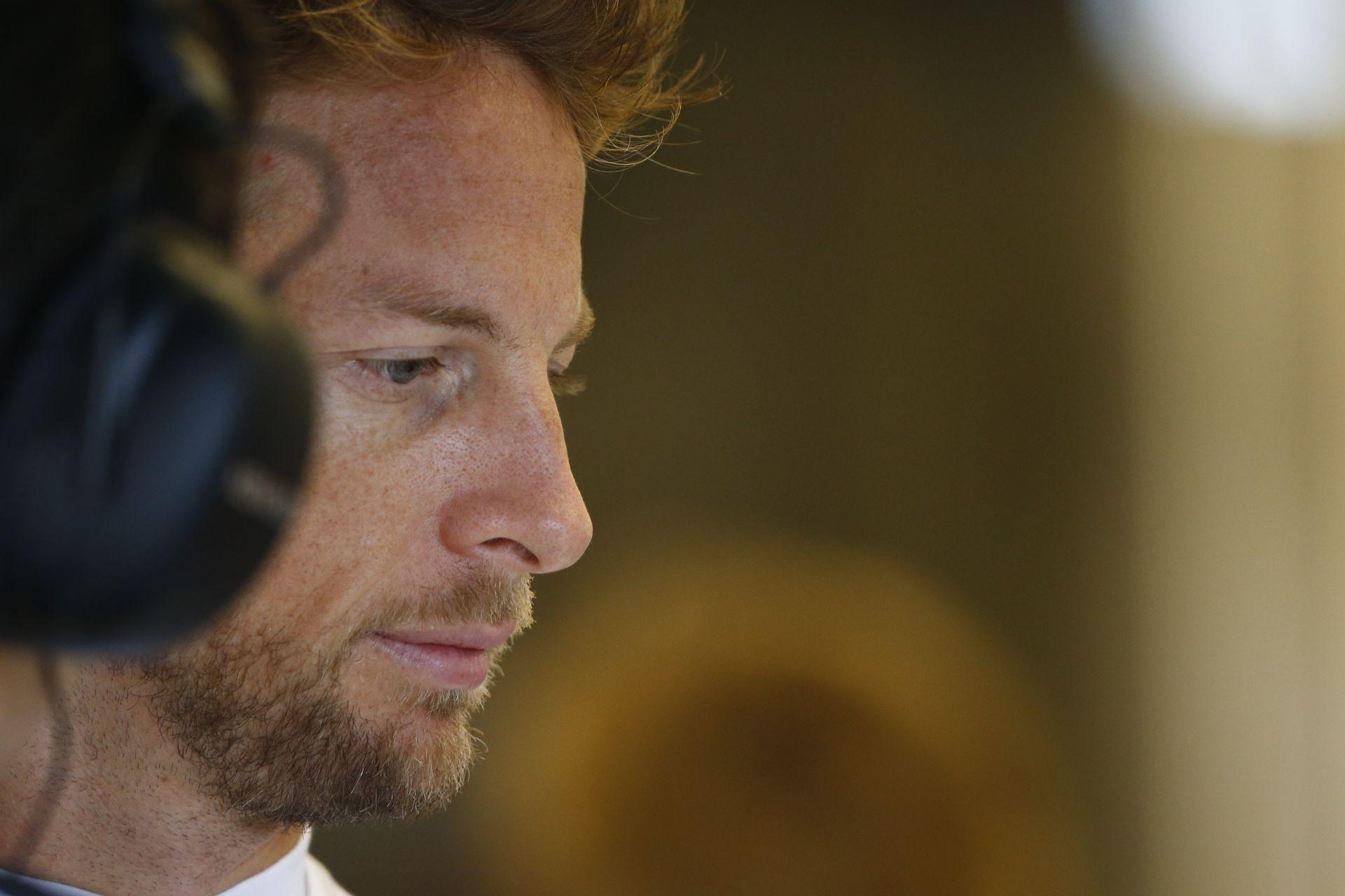 Button így edz a McLarennél!