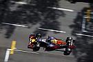 Verstappen a versenyen is összetörte a Red Bullt és megint csúnyán
