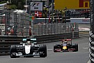 A pillanat, amikor Ricciardo és Hamilton Monacói Nagydíja is majdnem véget ért!