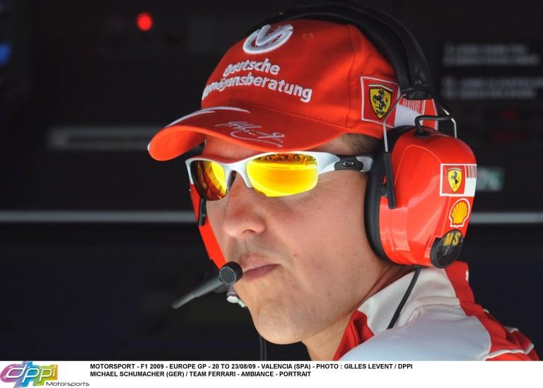 Az a bizonyos fagyi nem csak Kimi kezében tűnt fel... Schumacher!!!
