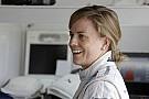 Susie Wolff felkészült: Mercedes slusszkulcs magassarkúval!