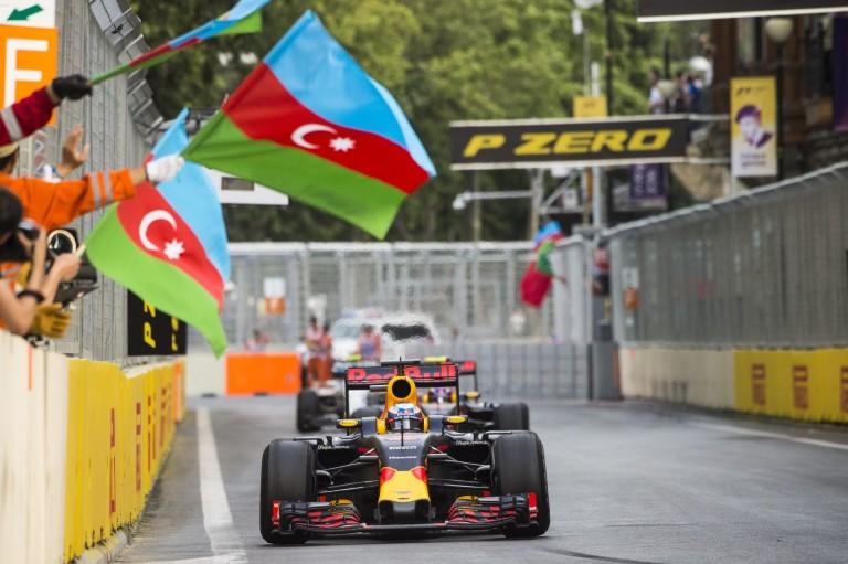 Baku nem kicsit művészien - menő!
