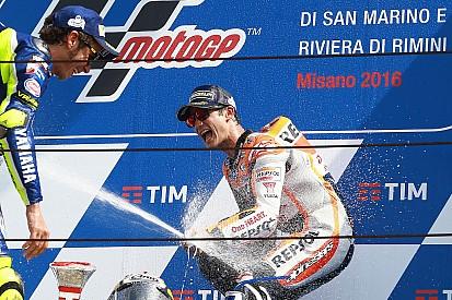 Pedrosa verslaat Rossi voor de winst in Grand Prix van San Marino