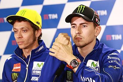 Лоренсо и Росси затеяли словесную перепалку на пресс-конференции