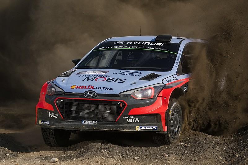 Hyundai Motorsport incarpodium di Finlandia