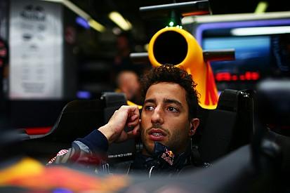 """Ricciardo espera que """"karma"""" lhe dê vitória em 2016"""