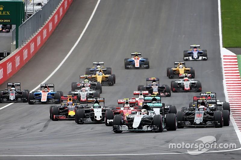 GP Austria: Hamilton juara setelah terlibat insiden dengan Rosberg di lap terakhir