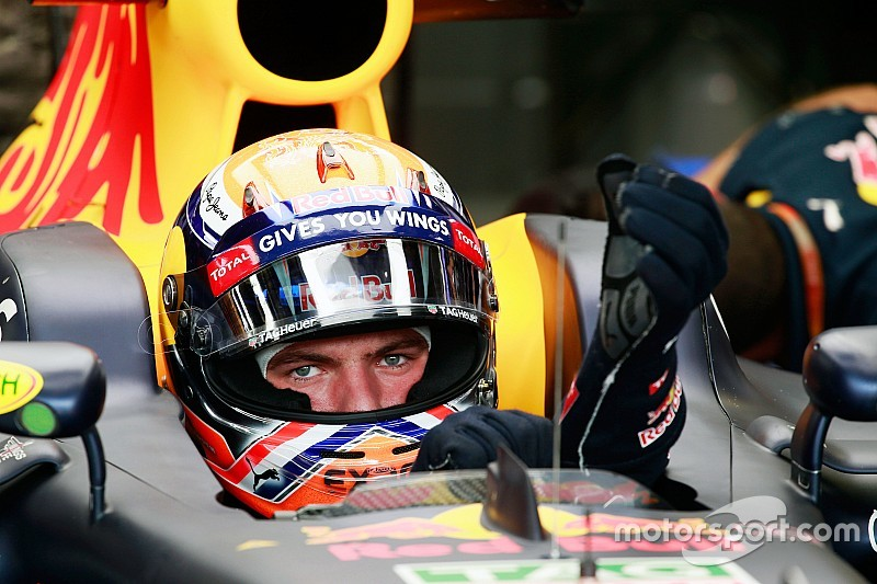 F1シンガポールGPフリー走行1回目タイム結果:フェルスタッペンが首位発進