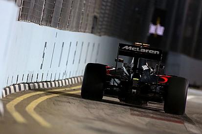Баттон впервые за уик-энд доволен машиной, несмотря на контакт со стеной