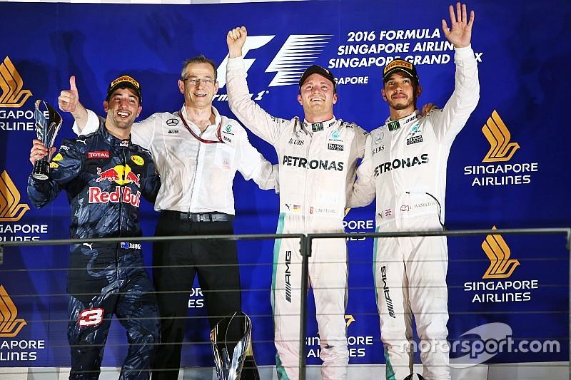 Singapur GP: Rosberg kazandı, şampiyonada liderliğe yükseldi!