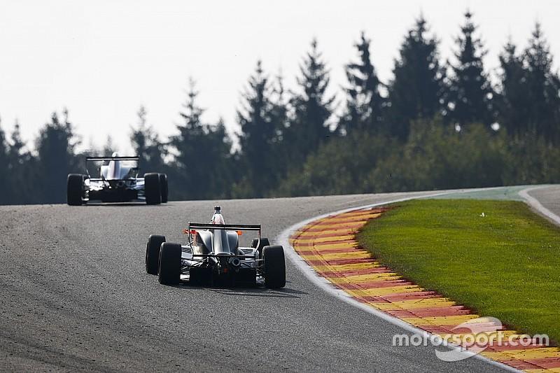 Hugo de Sadeleer conquista la prima vittoria in Gara 1 a Spa-Francorchamps