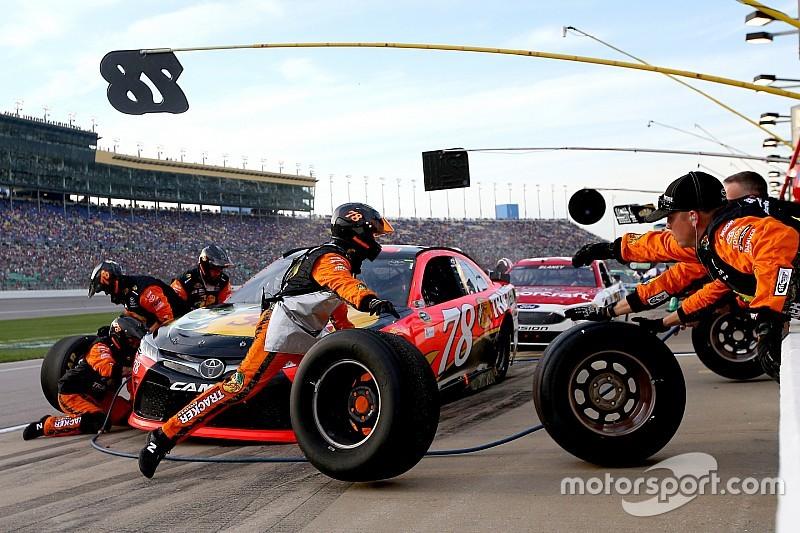 La NASCAR songe à réduire la taille des équipes dans les stands