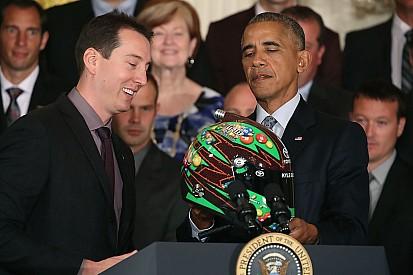 Kyle Busch é recebido por Obama na Casa Branca