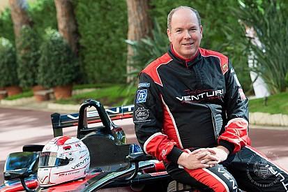 Alberto II di Monaco diventa... pilota in omaggio alla Venturi!