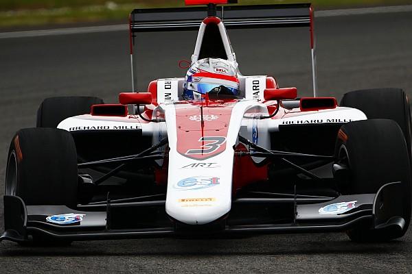 Gara 1: Albon conquista il successo, Leclerc rimonta dopo il caos iniziale