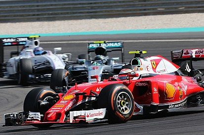 """Räikkönen - """"Inutile de discutailler"""" sur le choc avec Rosberg"""