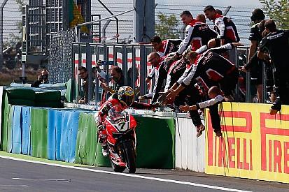 Davies beffa le Kawasaki e regala la doppietta alla Ducati in Francia