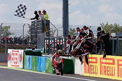 Superbike-WM Magny Cours: In der Ruhe liegt die Kraft - Chaz Davies holt Doppel
