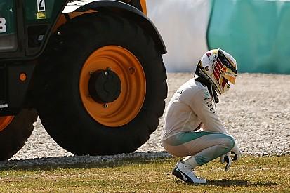"""Hamilton: """"Heb nog steeds 100 procent vertrouwen in Mercedes"""""""