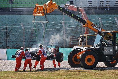 Decepção de Hamilton e sorriso de Ricciardo; o dia em Sepang