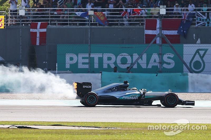 Falha de Hamilton impede Mercedes de igualar McLaren em 1988