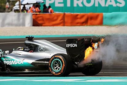 """Mercedes: """"We zijn er kapot van dat we de titelrace beïnvloeden"""""""