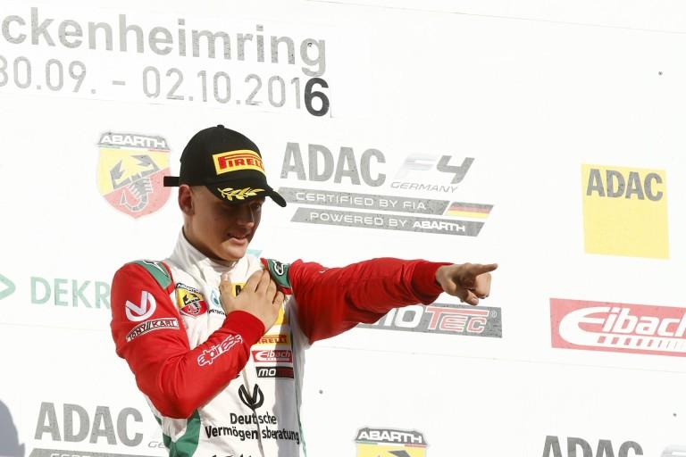 Mick Schumacher győzelemmel köszönt el az F4-től, és irány az F3?!