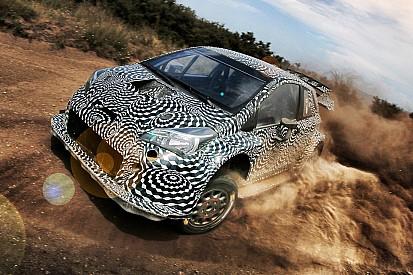Test in Catalogna per la Toyota. Provato un paraurti posteriore inedito