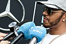 Mercedes no silenciará a Hamilton