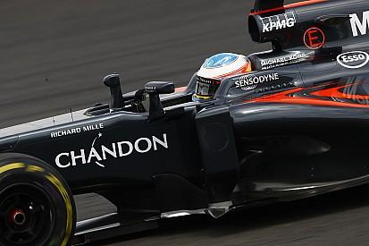 """Alonso: """"Progressie McLaren geen garantie voor succes in 2017"""""""