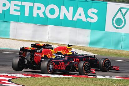 """Verstappen: """"Non fosse stato Ricciardo, a Sepang avrei finito il sorpasso"""""""