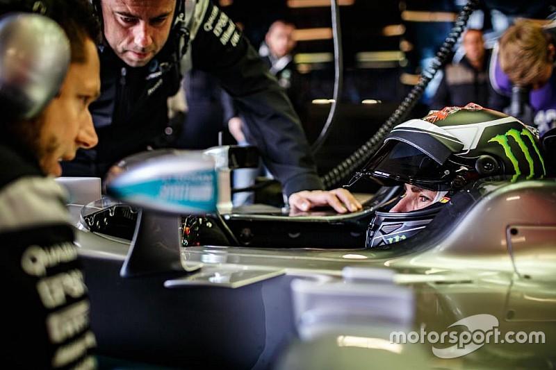 El día que Lorenzo cumplió el sueño de probar el Mercedes F1 de Hamilton