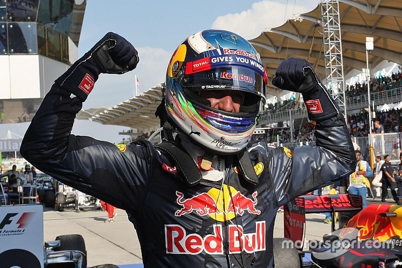 Ricciardo: Masalah mesin Mercedes jadi peluang bagi Red Bull